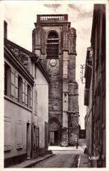 Saint-Dizier – Église Notre-Dame dont la plus grande partie a été reconstruite à la suite de l'incendie de 1775 – Façade mutilée du XVe siècle