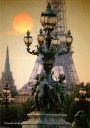 Paris – Candélabres et pylônes du pont Alexandre III – Tour Eiffel