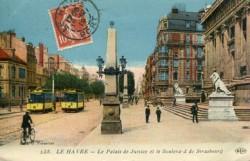 Le Palais de justice et le boulevard de Strasbourg