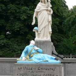 Monument aux morts de Chaulnes ; une des illustrations de l\'article