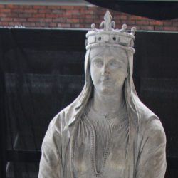 Vierge mère (style roman)