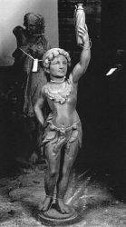Statue-lampadaire : Nouveau monde